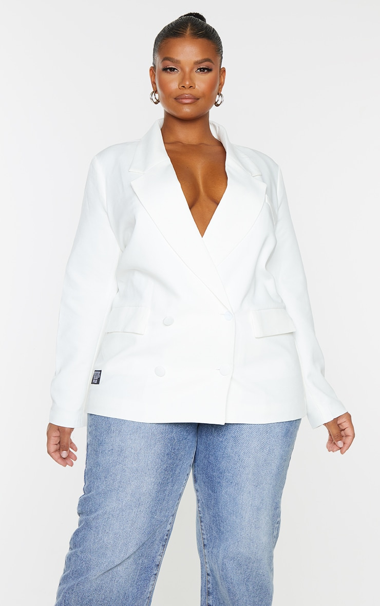 PRETTYLITTLETHING Plus White Double Breasted Blazer 3