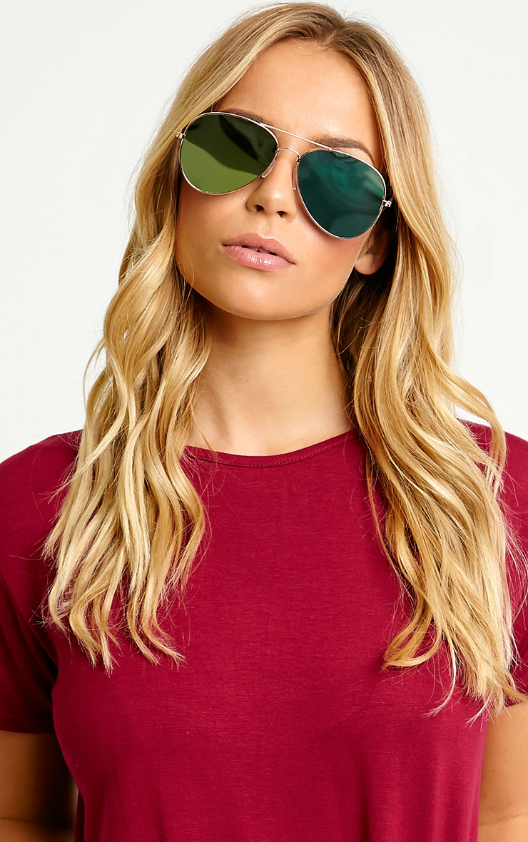 Tresa Green Lense Aviator Sunglasses 1