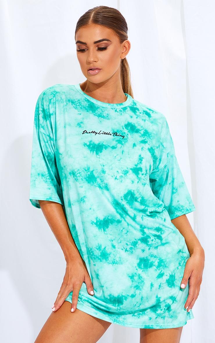 PRETTYLITTLETHING Green Embroidered Tie Dye Boyfriend T Shirt Dress 1