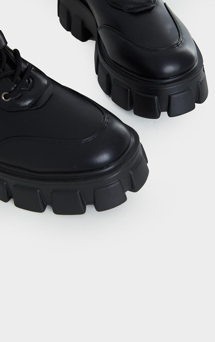 Bottines noires style randonnée à semelle très chunky et détail mousqueton 5