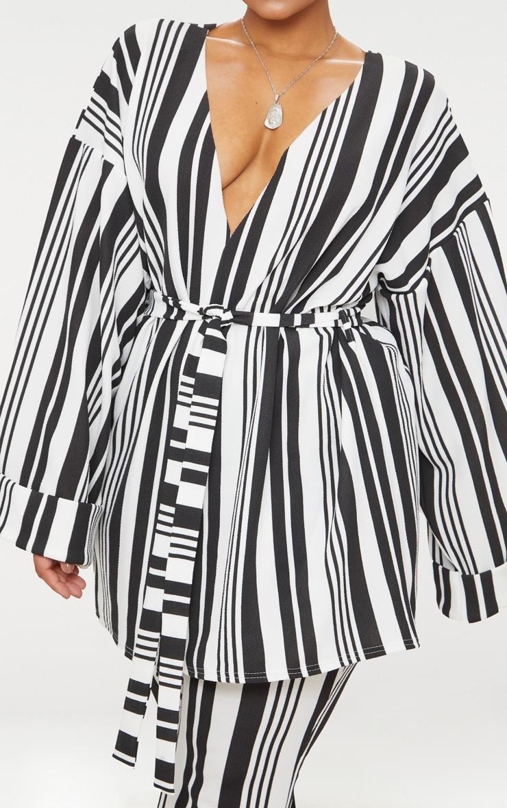 Plus Black Striped Belted Oversized Sleeve Blazer 5