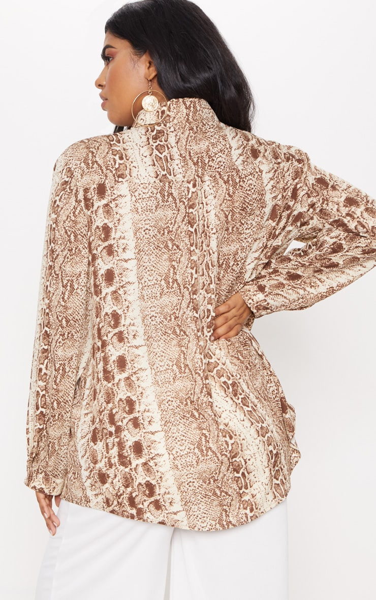 Plus Brown Snake Print Oversized Shirt   2