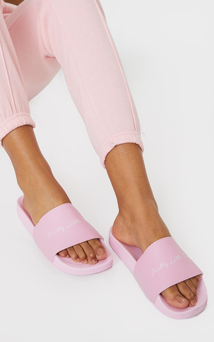 PRETTYLITTLETHING Baby Pink Graphic Slides 1