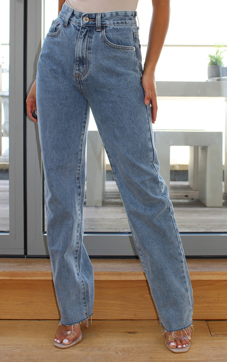 PRETTYLITTLETHING Petite Vintage Wash Long Leg Straight Jeans 2