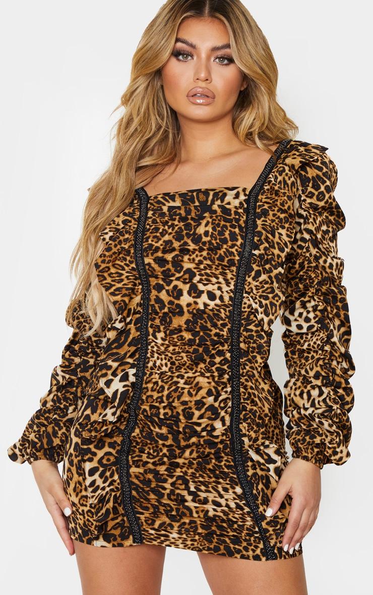 Robe droite froncée marron à imprimé léopard et perles 3