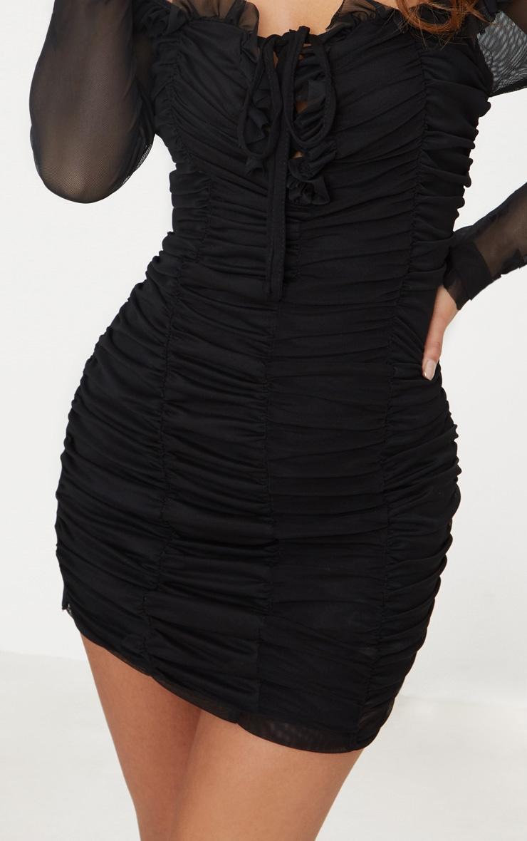 Petite robe moulante bardot froncée noire 5