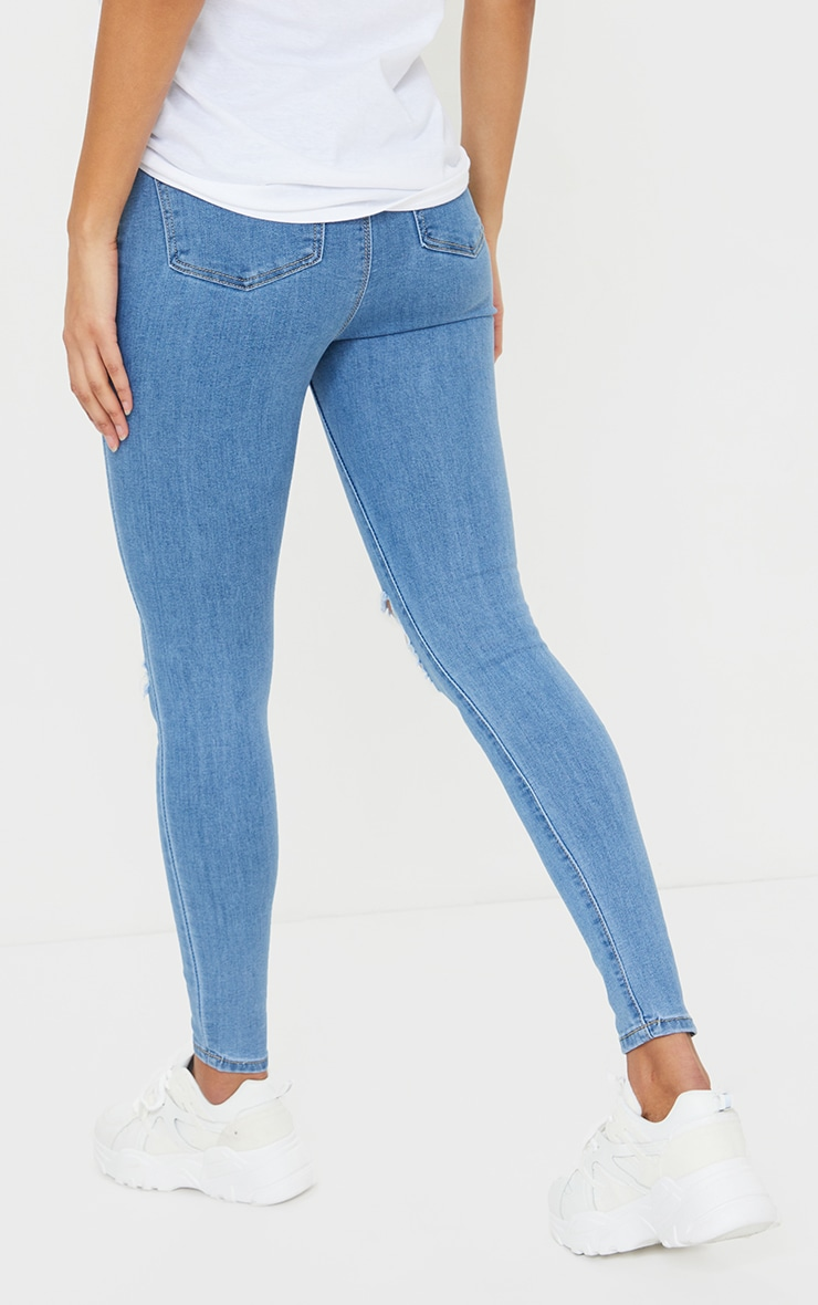 PRETTYLITTLETHING Light Wash Distressed Disco Skinny Jean 3