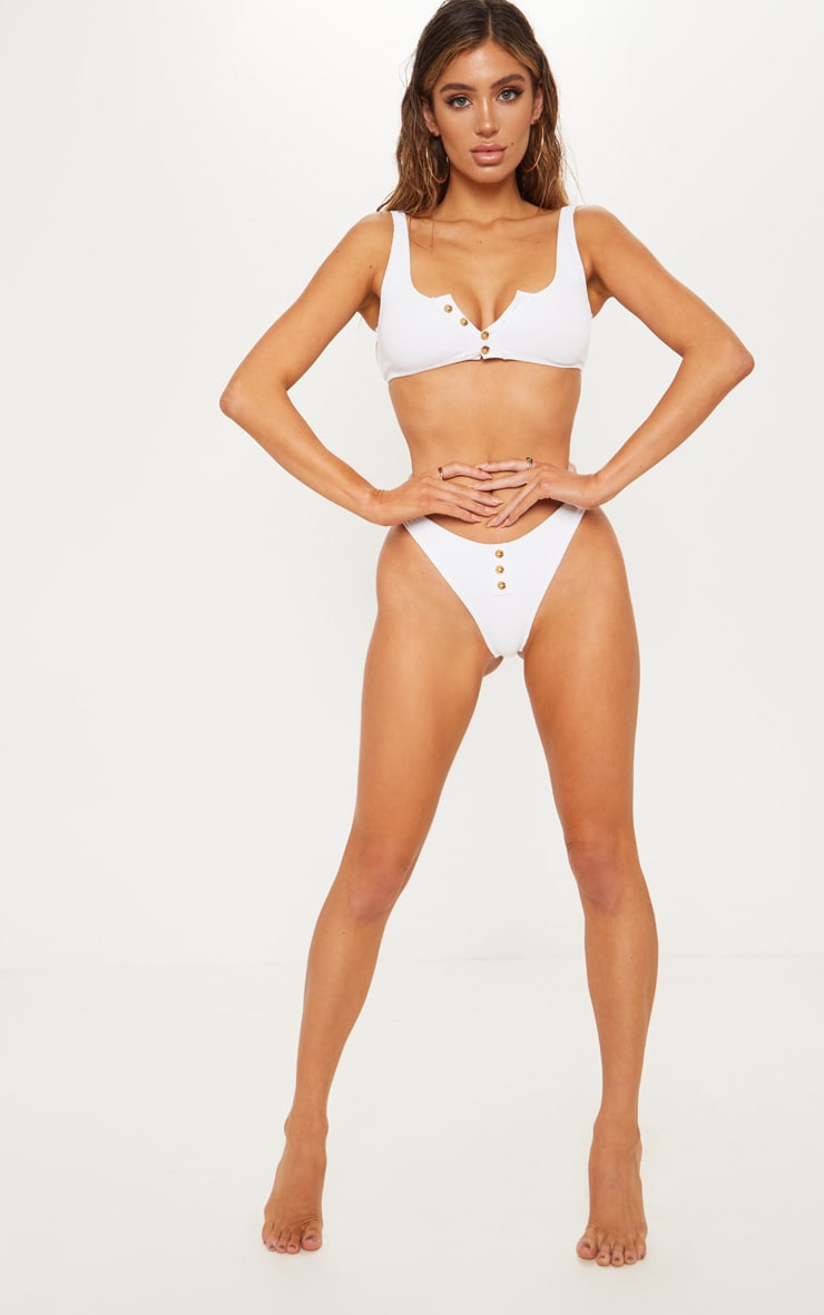 Bas de bikini blanc côtelé à boutons 5