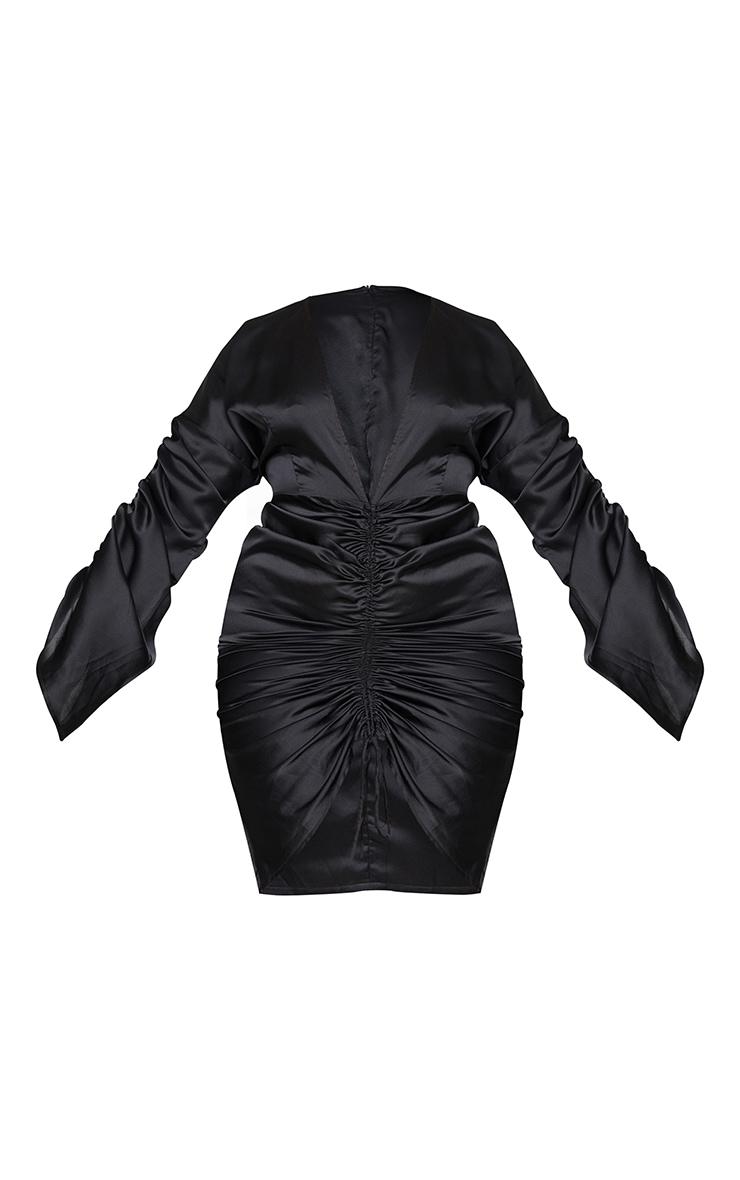 PLT Plus - Robe décolletée satinée noire froncée sur l'avant 6
