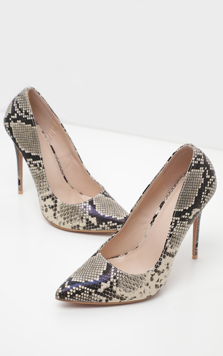 Snake Wide Fit Court Shoes 3