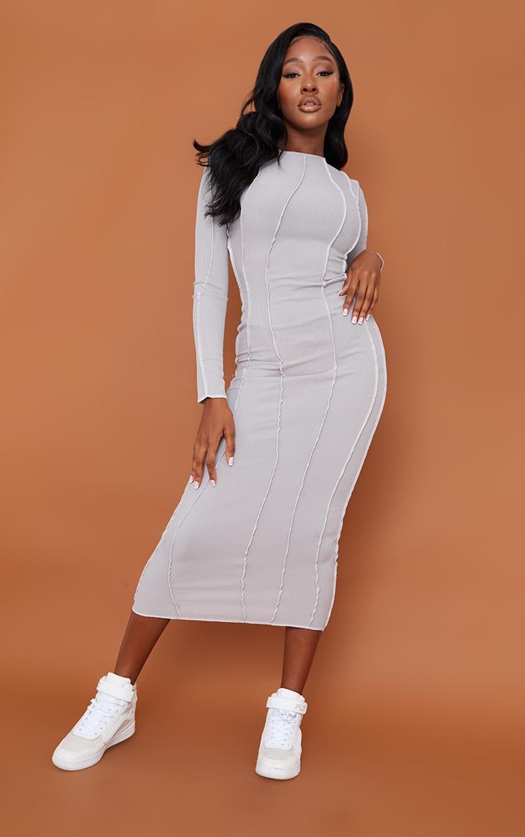 Robe longue grise manches longues côtelée à coutures asymétriques 1