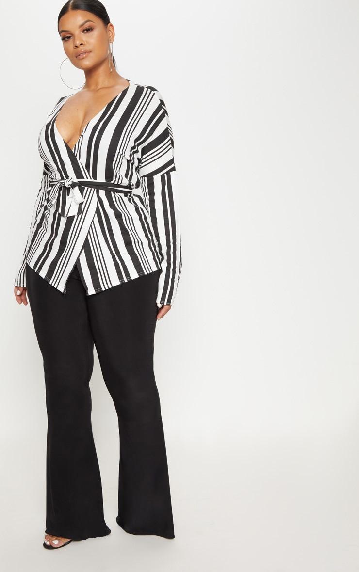 PLT Plus- Chemisier en jersey rayé noir et blanc noué à la taille 4