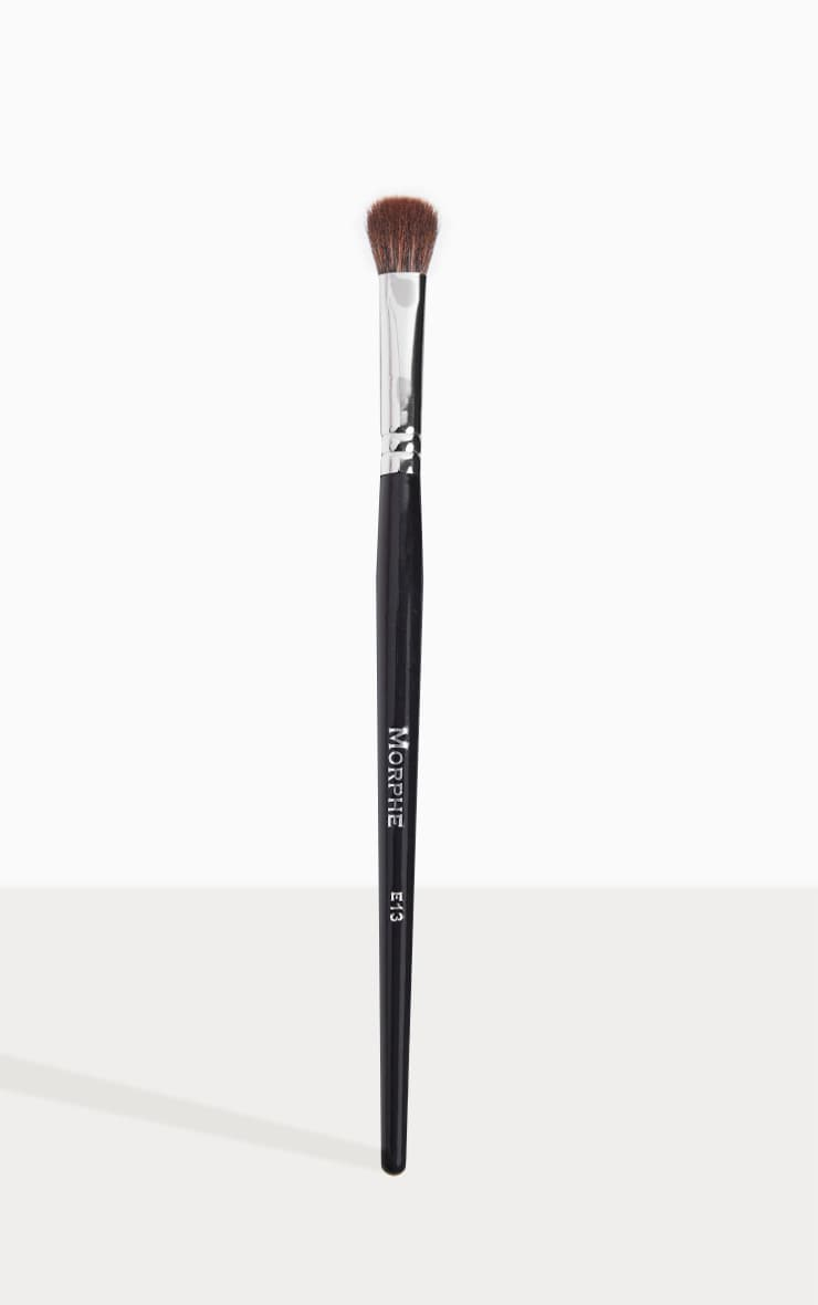 Morphe E13 Oval Shadow Fluff Brush 1
