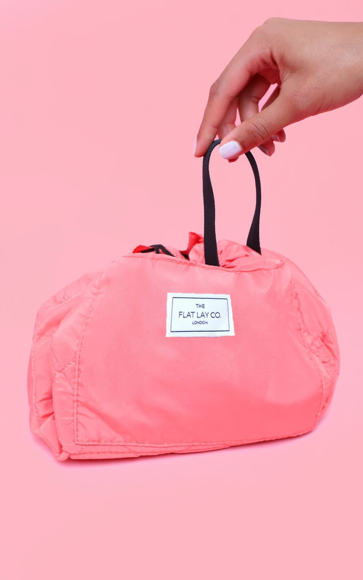 The Flat Lay co. - Pochette maquillage - Corail 1