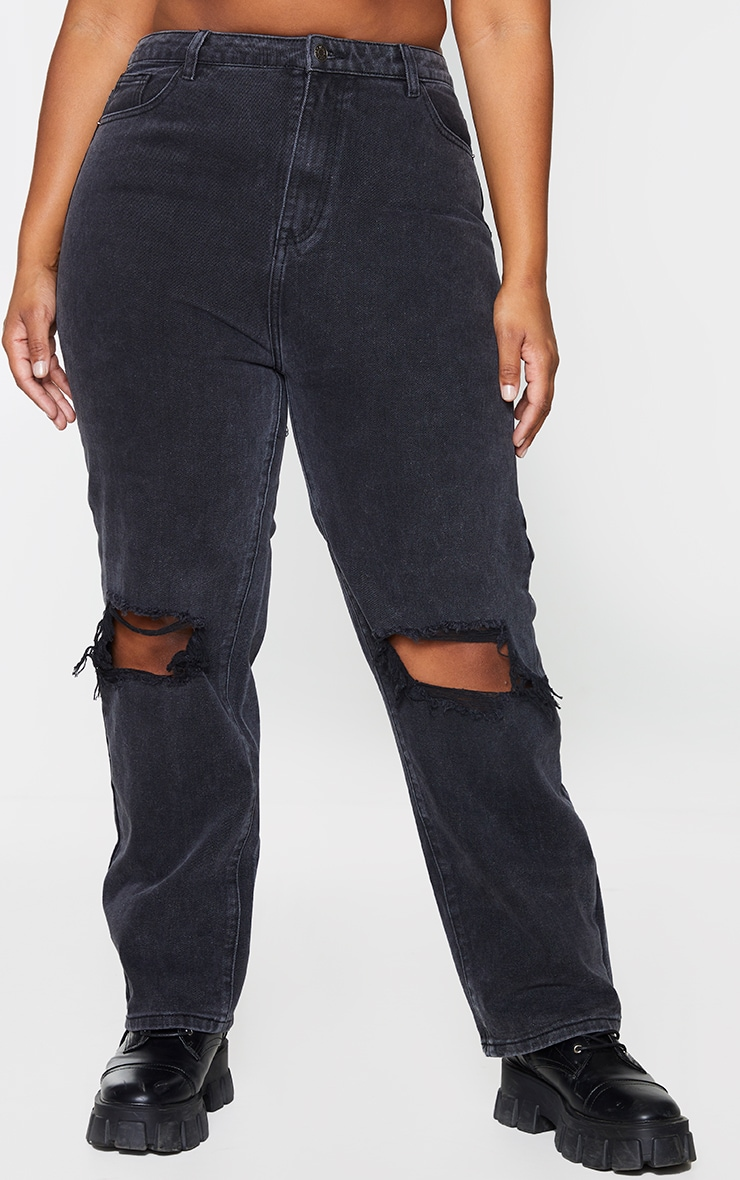 PRETTYLITTLETHING Plus Washed Black Knee Rip Straight Leg Jeans 2