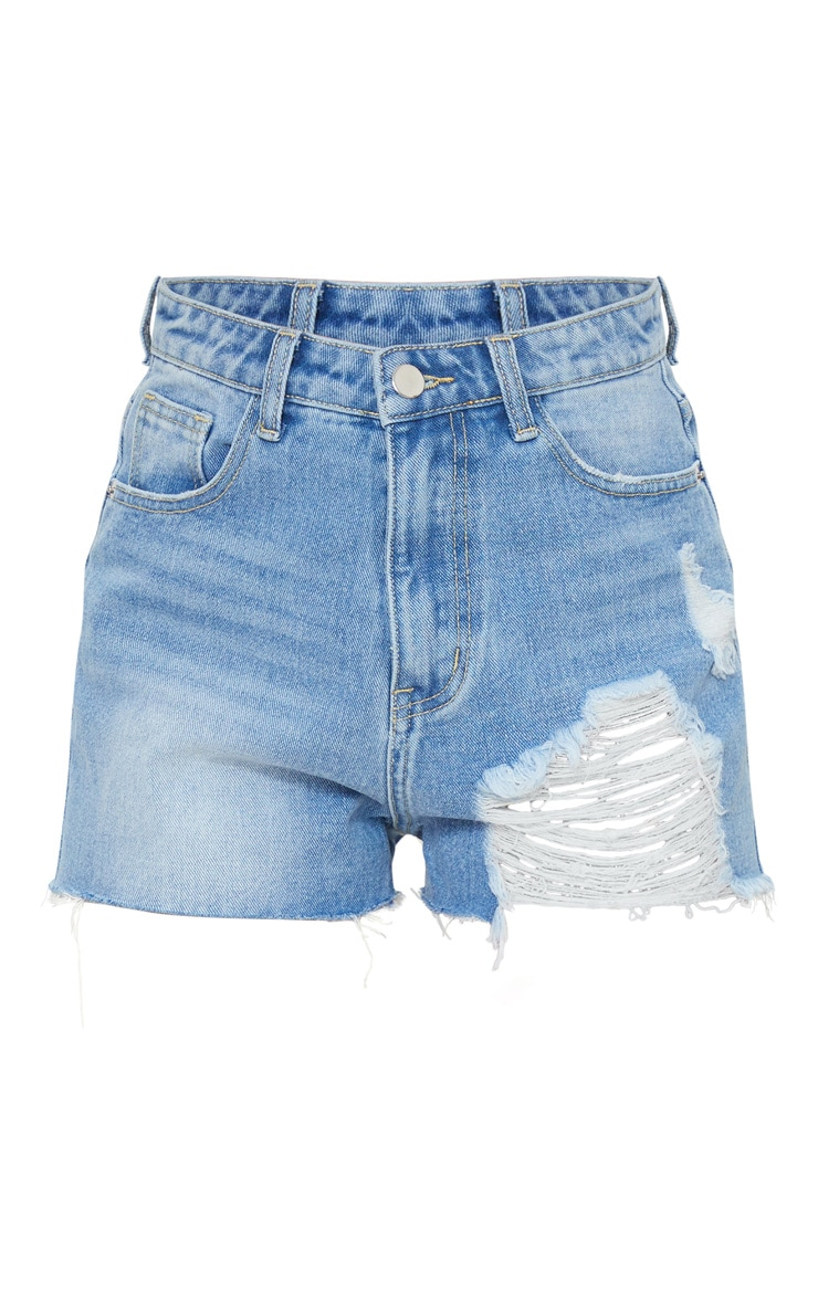 PRETTYLITTLETHING Petite Light Blue Wash Distressed Denim Mom Shorts 6