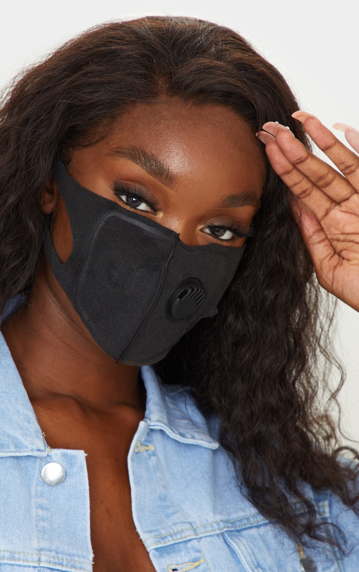 Black Face Mask With Filter 1