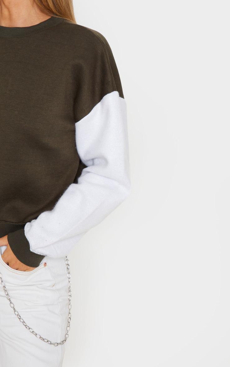 Sweat oversize kaki à manches contrastantes blanches 5