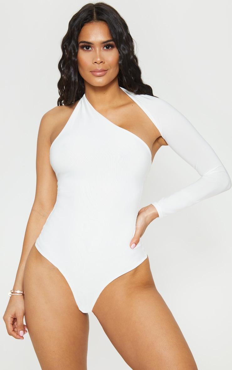 Body blanc asymétrique à bretelle unique 1