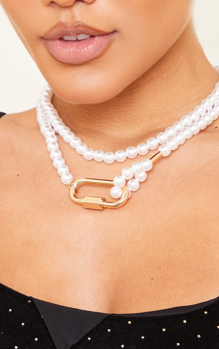 White Pearl Gold Clasp Double Layering Necklace 2