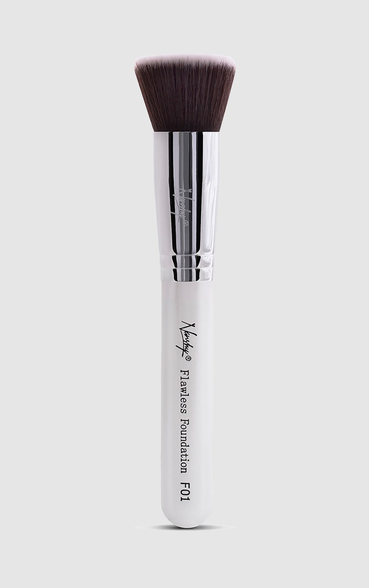 Nanshy Flawless Foundation Pearlescent White Flat Top Brush  1