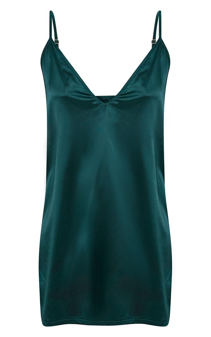 Erin robe nuisette décolleté plongeant en satin vert émeraude 3