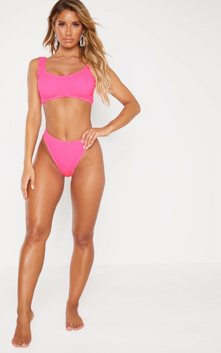 Bas de bikini string froissé rose fluo 4