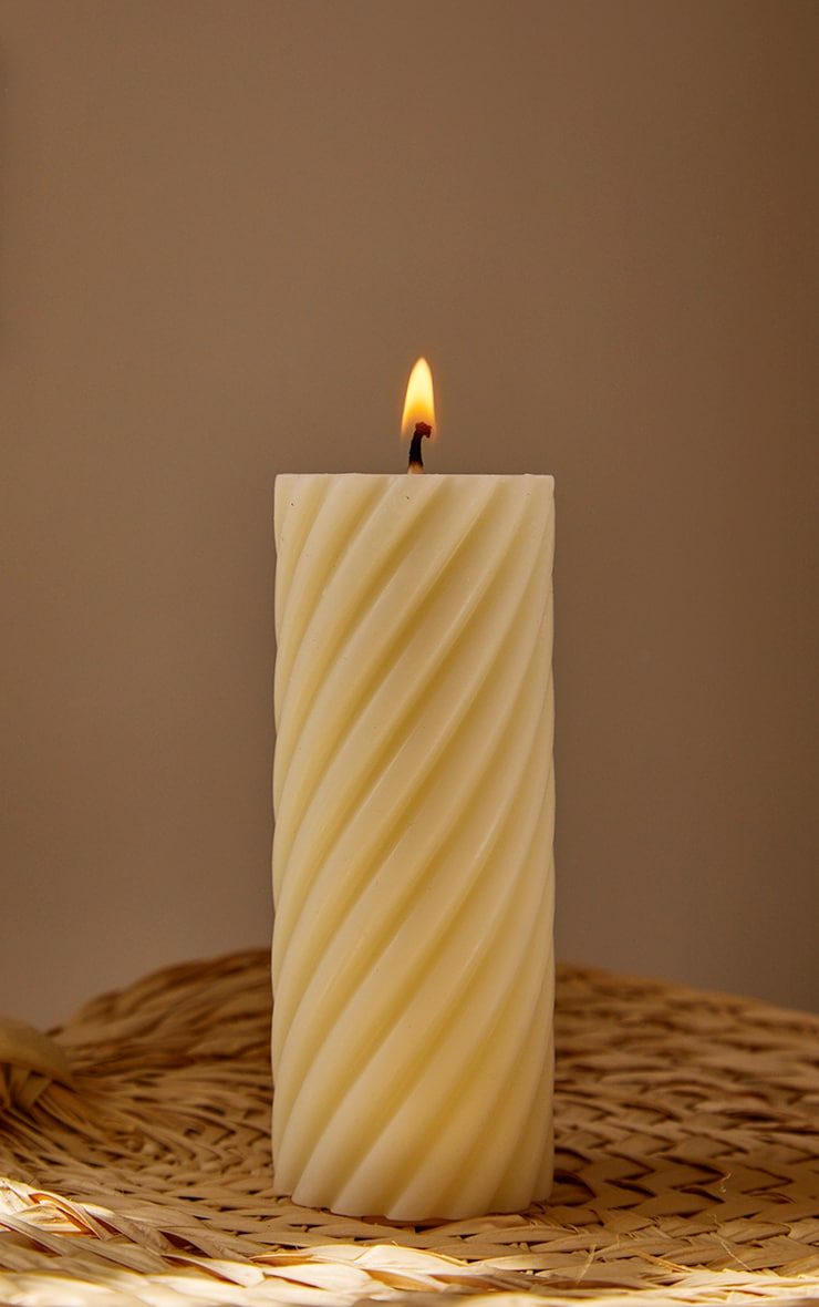 White Swirl Pillar Scented Soy Wax Candle 12cm 3