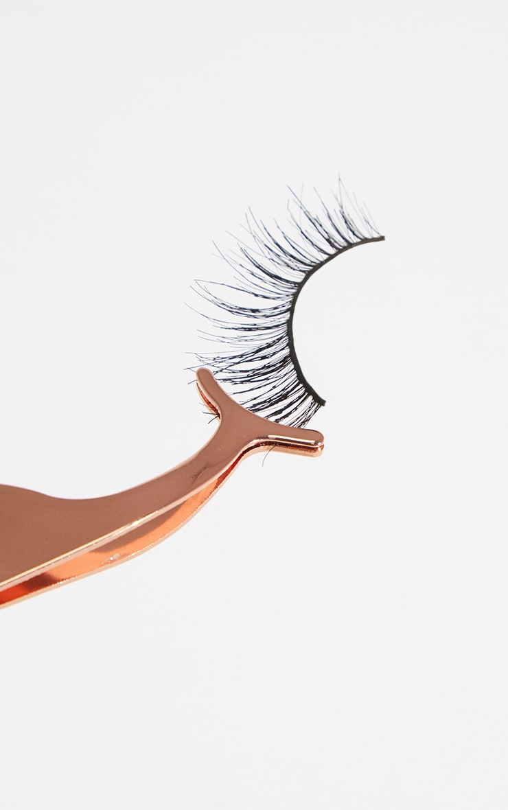 Rose Gold Eyelash Applicator 2