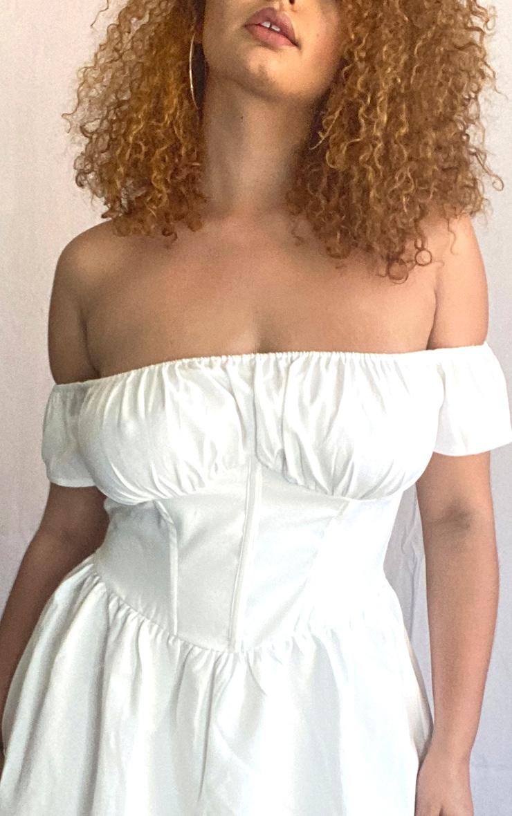 PLT Plus - Robe blanche style corset à manches volantées 4