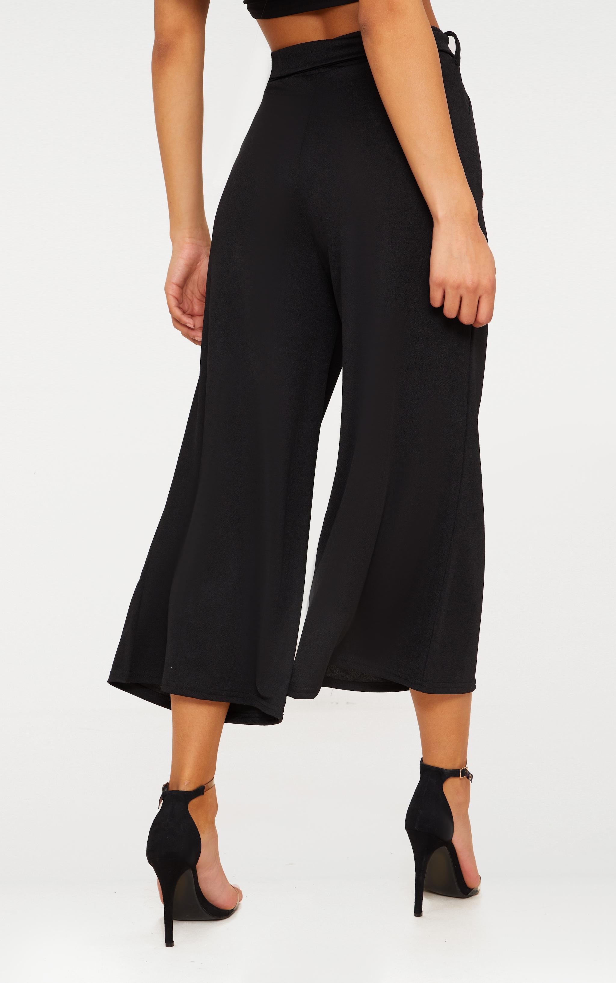 Jupe-culotte noire avec attache à la taille  4