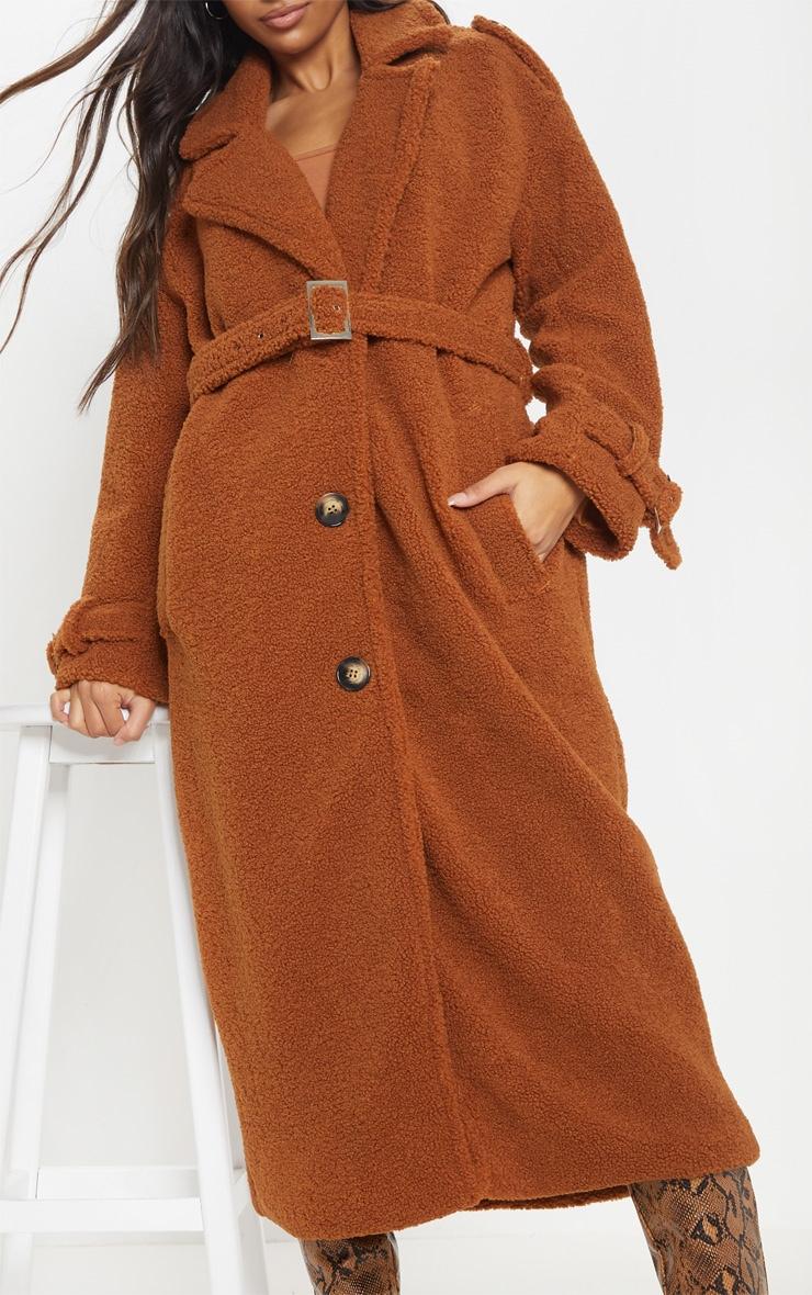 Manteau oversized en faux mouton marron à détail ceinture 4