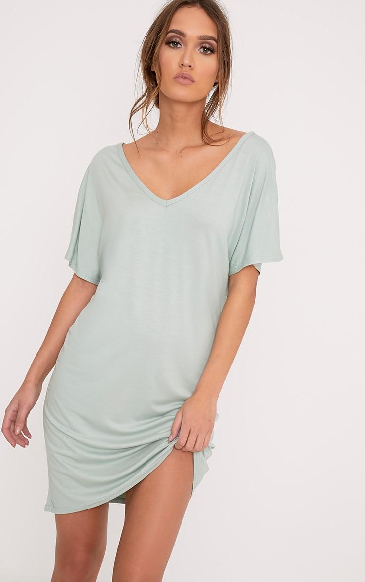 Basic robe t-shirt à col en V vert sauge 1
