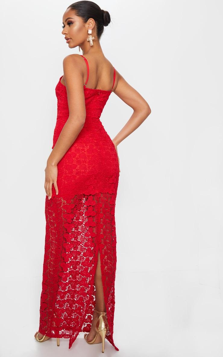 Robe longue en dentelle épaisse rouge à bretelles 2