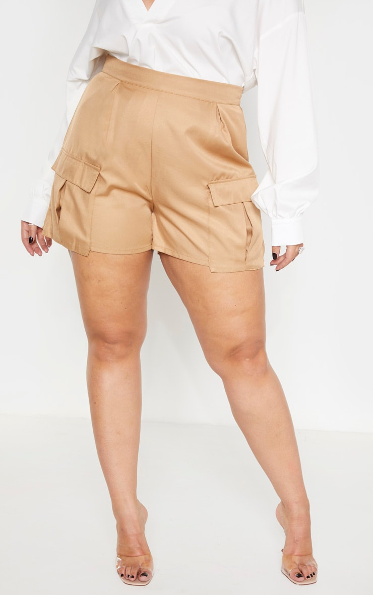 Plus Camel Pocket Detail Cargo Shorts 2