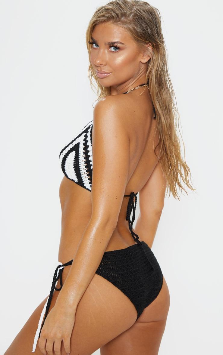 Haut de bikini en crochet noir & blanc à rayures 2