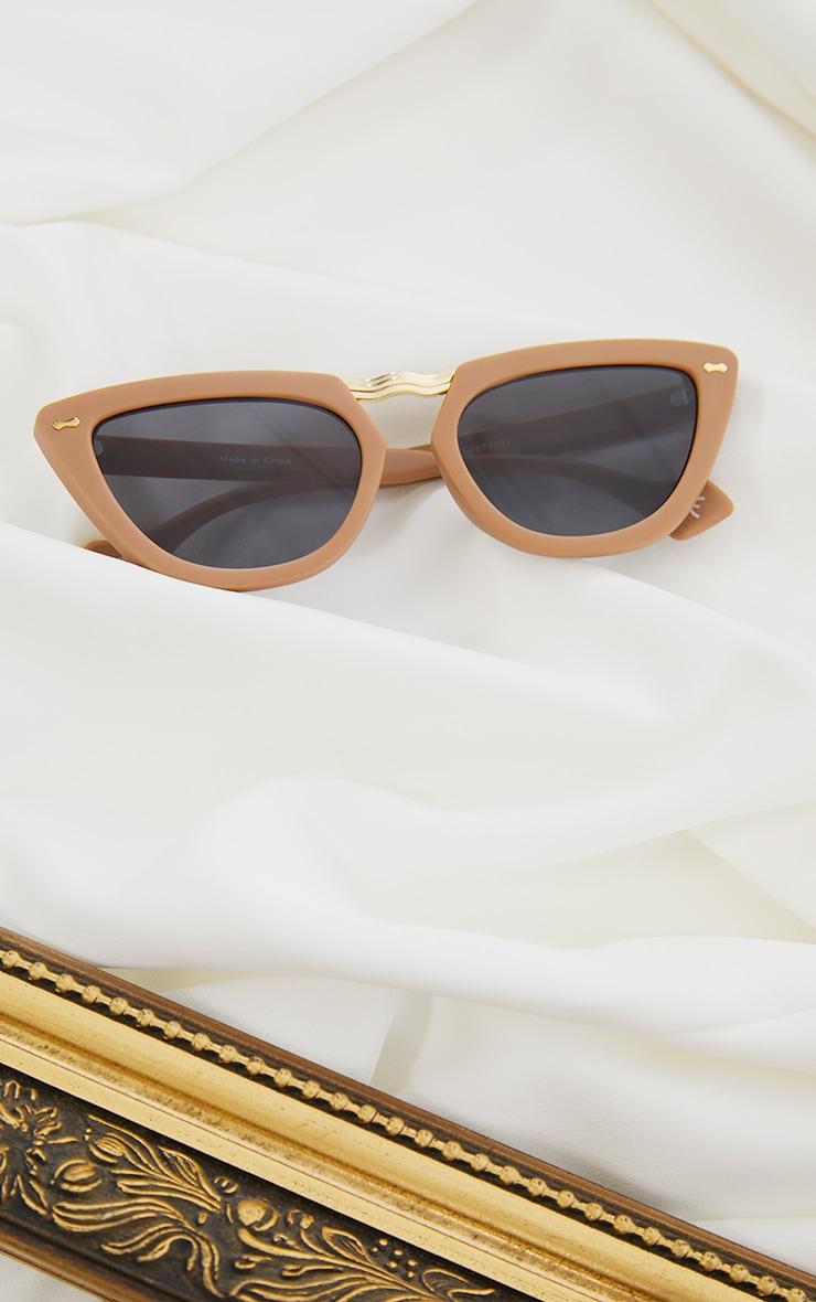 Tan With Gold Bar Chunky Cat Eye Sunglasses 2