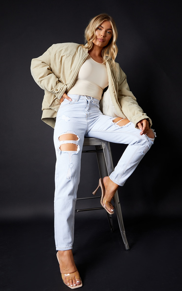 PRETTYLITTLETHING Light Bleach Wash Ripped Mom Jeans 1