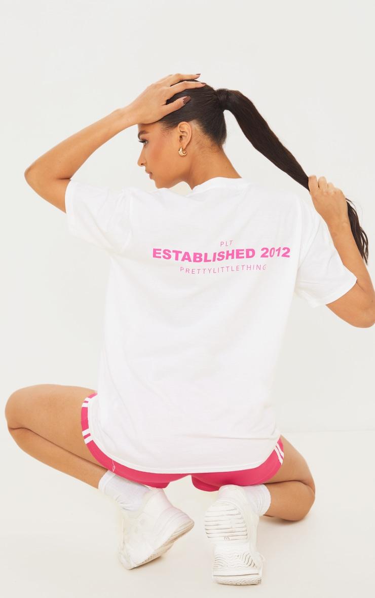 PRETTYLITTLETHING White Back Established Print T Shirt 1