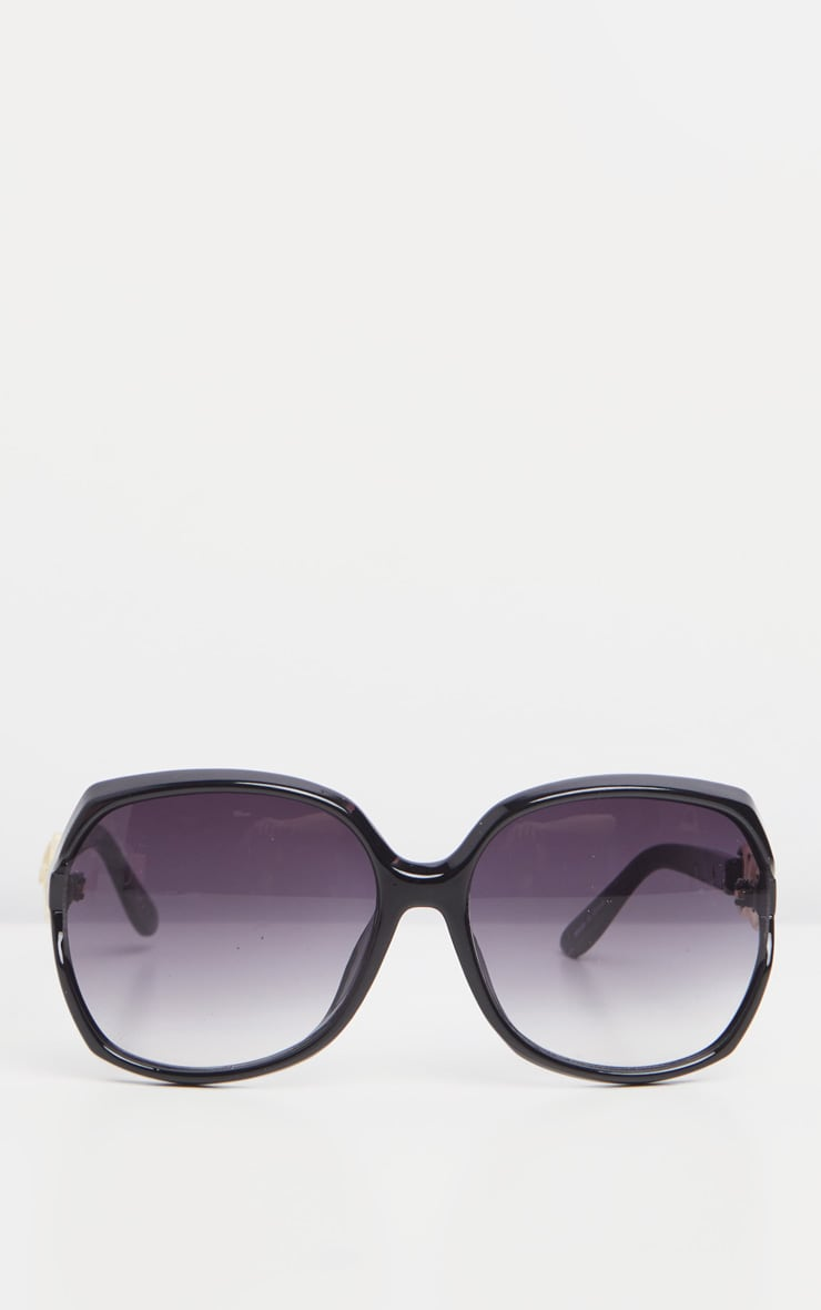 Black Oversized Gold Link Detail Tinted Sunglasses 2