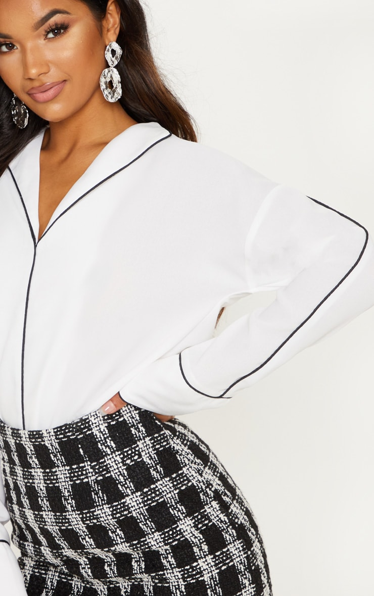 White Contrast Binding Blouse 5