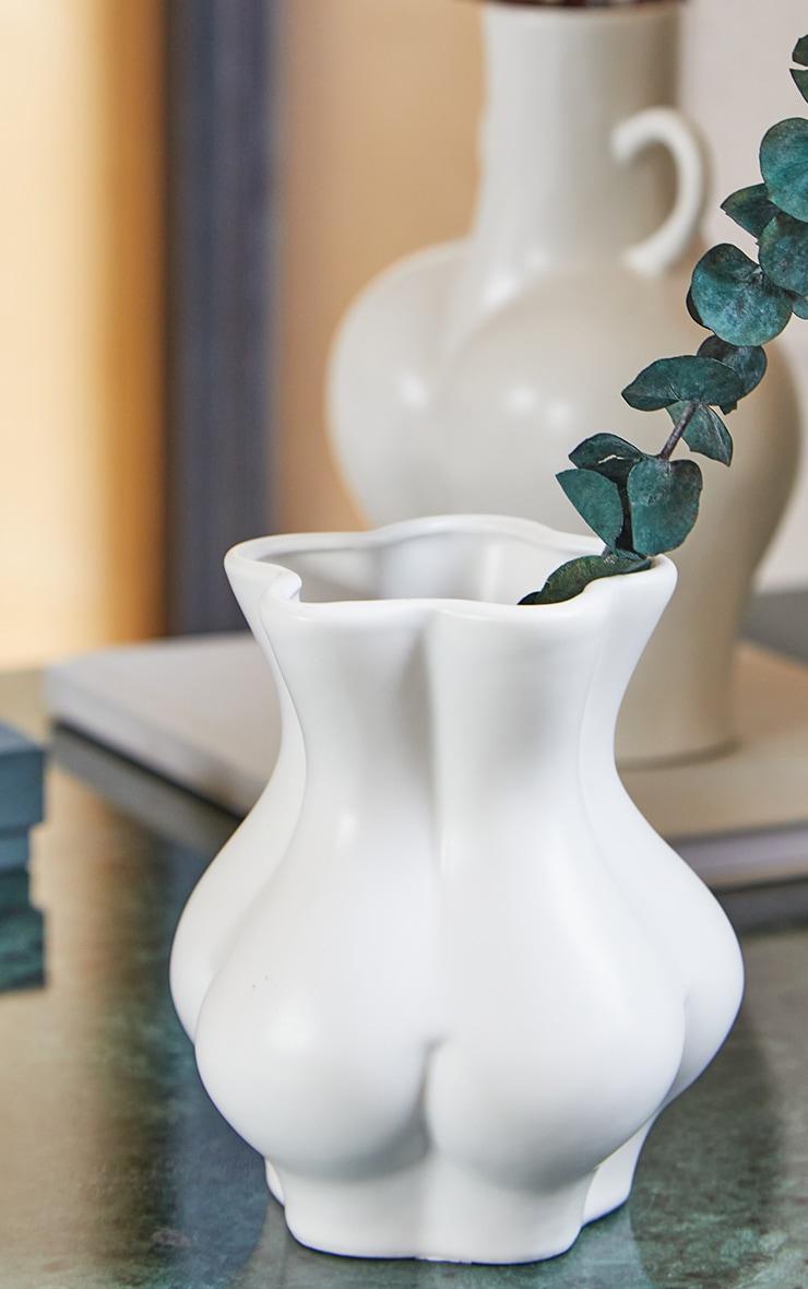 White Bum Vase 2