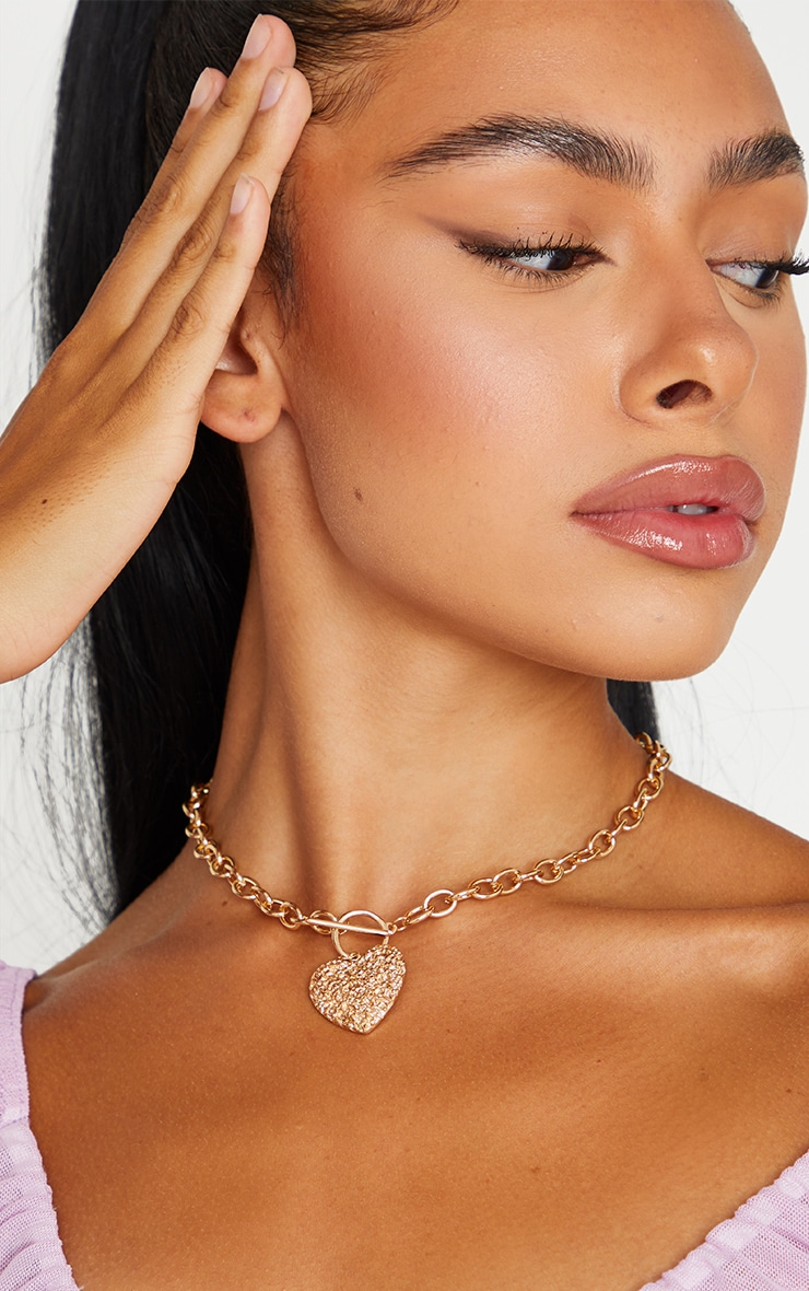 Gold Textured Heart Chain Necklace 1