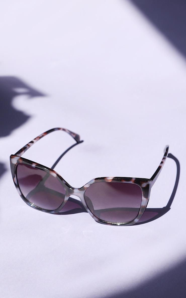Brown Tortoise Cat Eye Sunglasses 1
