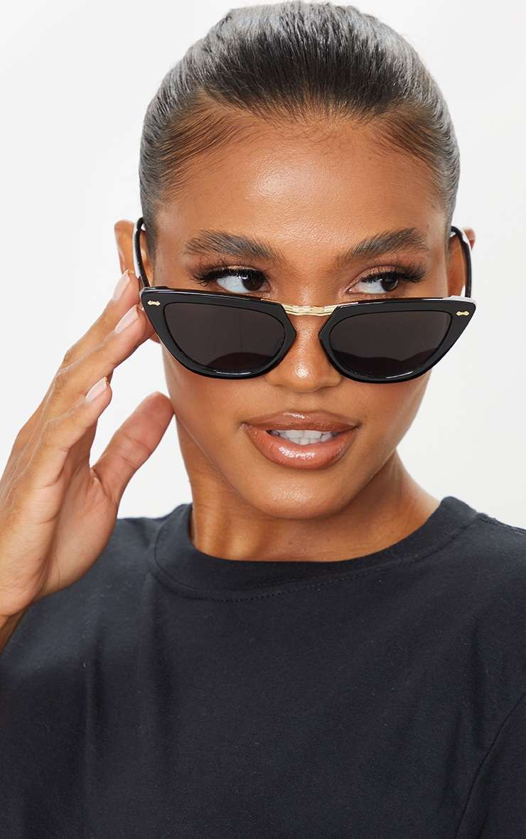 Black With Gold Bar Chunky Cat Eye Sunglasses 1