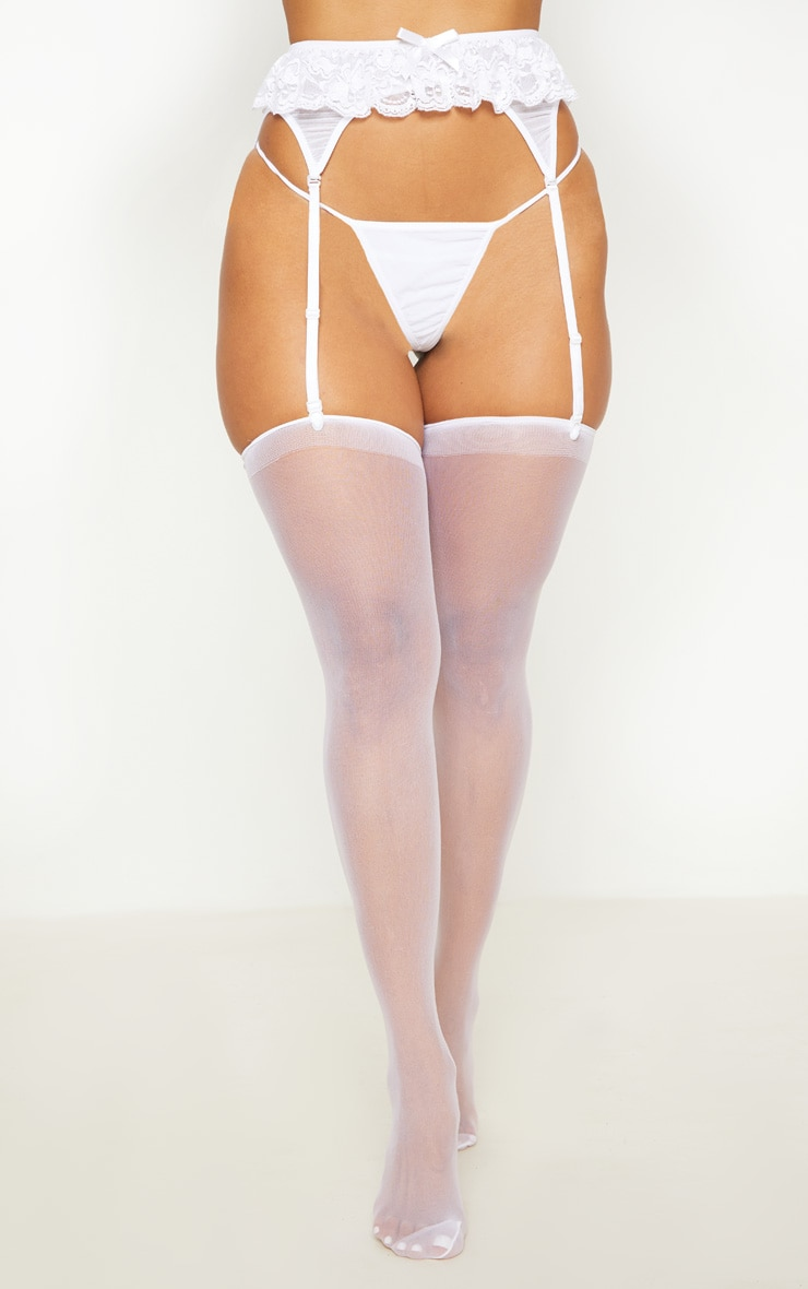 White Knickers & Suspender Set 1