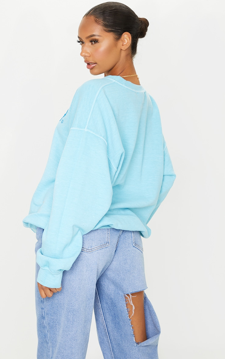 PRETTYLITTLETHING Blue Logo Washed Sweatshirt 2