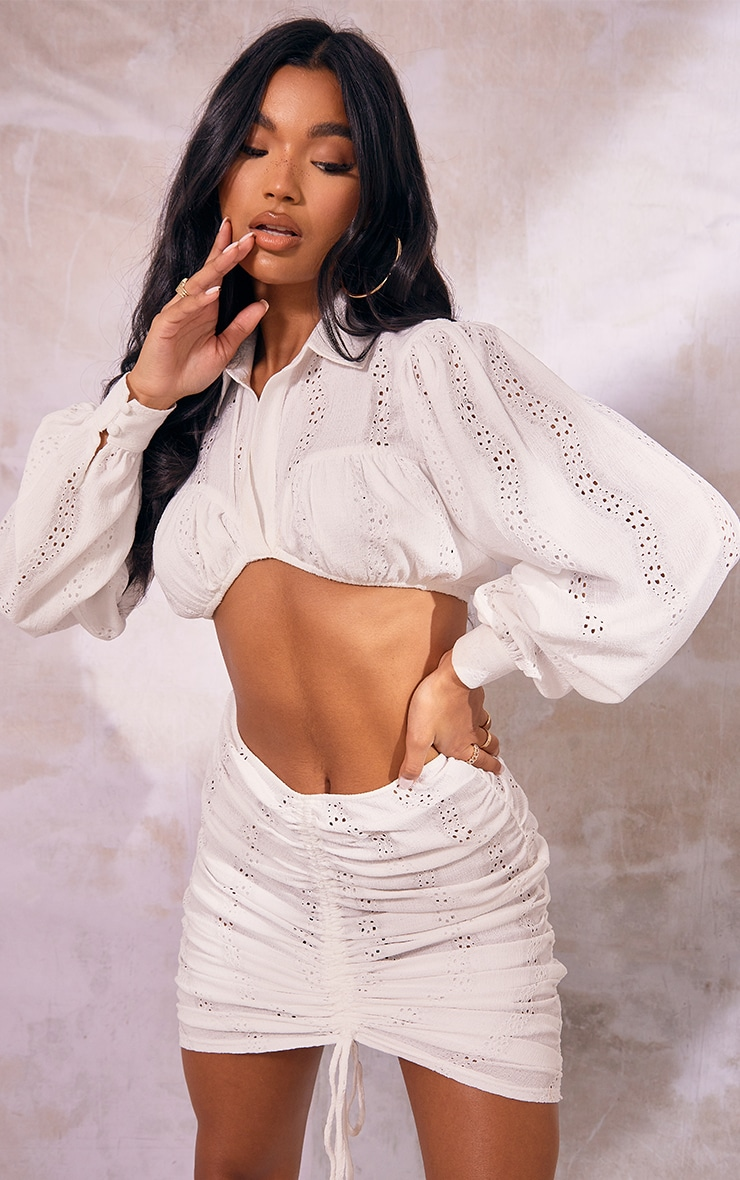 White Woven Embroidered Underbust Detail Cropped Shirt 1
