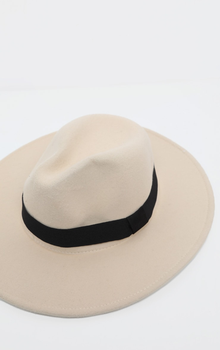 White Basic Fedora Hat 4