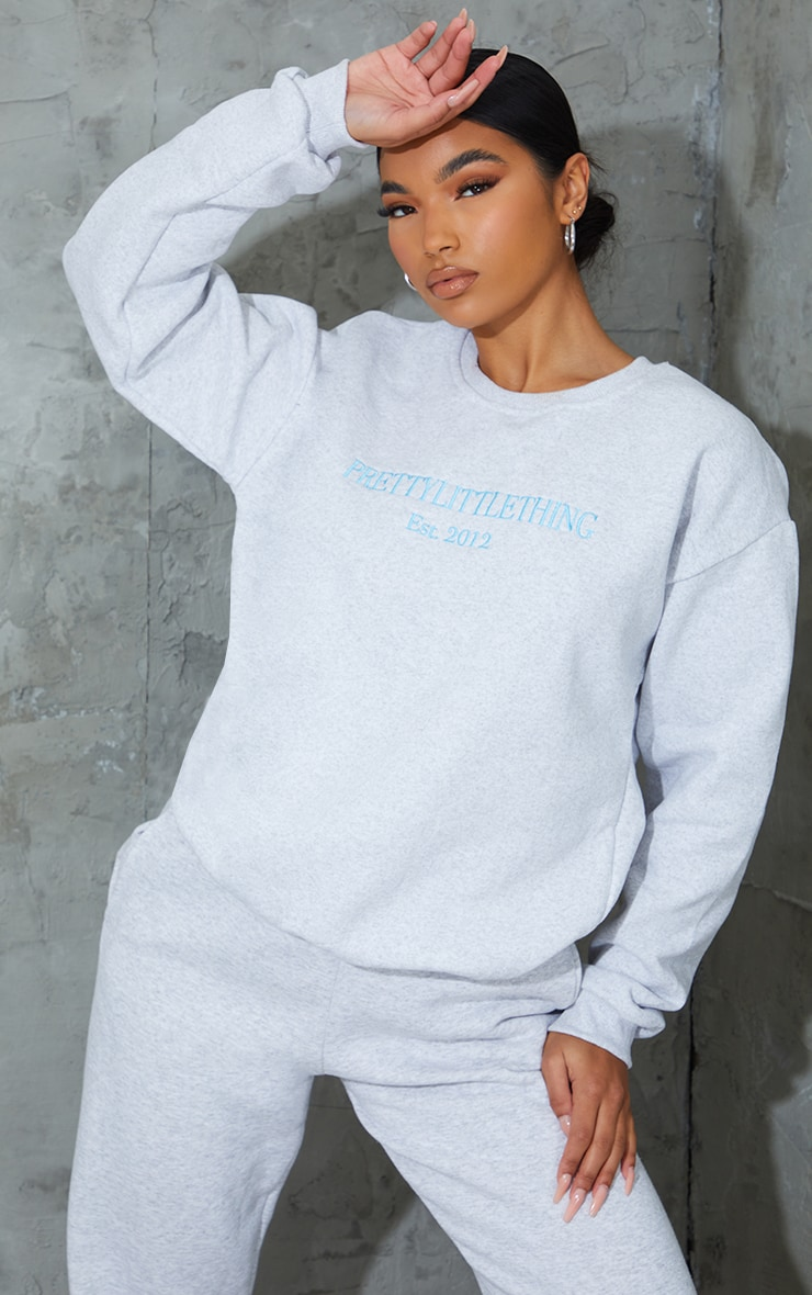 PRETTYLITTLETHING Ash Grey 2012 Slogan Embroidered Sweatshirt 1